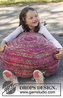 Candy pouf, SmåDROPS 23-35 by DROPS Design They fill with duvet filling, which is either feathers or polyfill/whatever they use in Europe.  @ceruleanalux @mrstiddleywinks