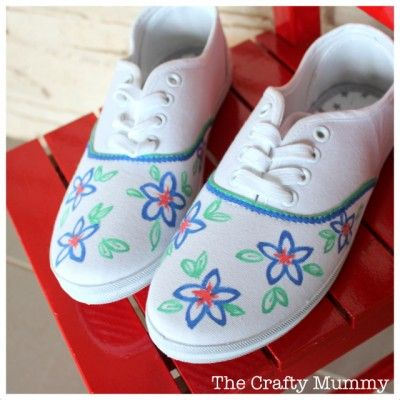 · I'd love to custom make myself some smexy new shoes, but I'm very wary of paint and the like because I'm not very good with it. But, I'm extra crafty when it comes to my sharpies, plus - I wouldn't have to buy anything new!