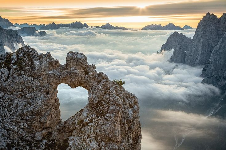 buchi nella montagna - e rocce delle Pale dei Balconi, nel gruppo delle Pale di San Martino Belluno Dolomiti Cerca con Google