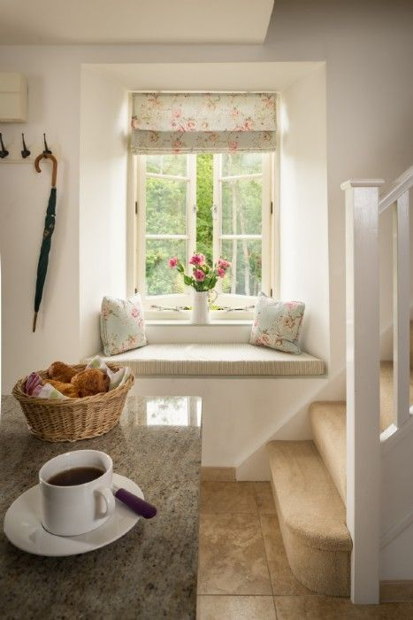 Love the delicate fabric of the blind, the rustic wood and the simple styling. Beautiful county entrance. If you love this, why not head on over to www.FlorenceAndFreya.com for more design inspiration plus lots of free resources to help you create your ideal home?