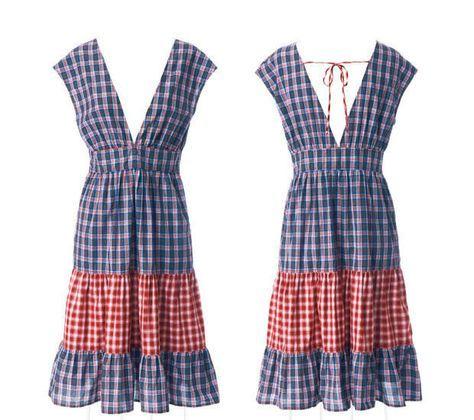 Das Volantkleid im Countrystil hat vorn und hinten tiefe V-Ausschnitte. Das Volantkleid nähen wir - wie hier - aus zwei Baumwollstoffen.