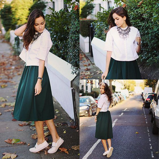 STRESSED BUT WELL DRESSED  by AMOUREUSE ., 20 year old girl from Lithuania