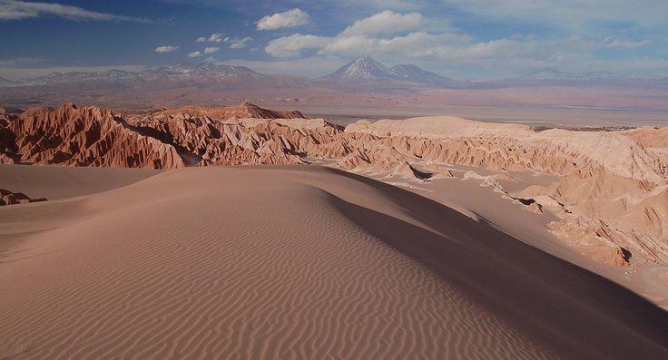 Duna Mayor en el Valle de la Luna, Atacama, Chile.