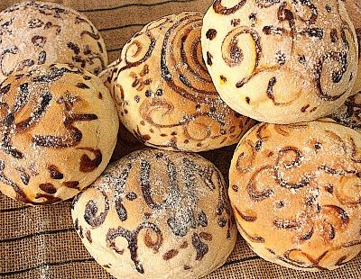Painted Sandwich Buns!! One of The Sweetest & Most Original Ideas I Have Seen For Bread!! I Just Love This!{ Recipe from:Cherry on a Cake}