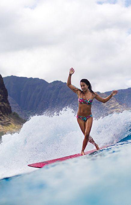 "A longboard session with Kelia ""Sista"" Moniz #surf #longboard"