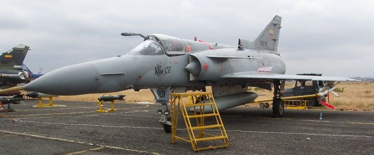 Ecuadorian Air Force Kfir CE (C.10). Note the refuelling probe and the characteristic longer nose of this variant.