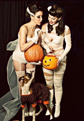 50 Vintage Halloween Costume Ideas photo @VintageDancer.com