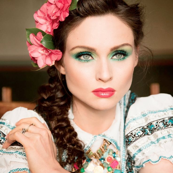 Sophie Ellis-Bextor pleased fans with new song 'Come With Us' - MuzWave