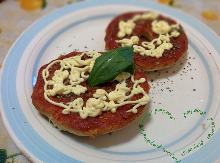 #friselle con #passata #pomodoro e #maionese #gialloblogs #giallozafferano #ricette #ricettefacili #ricettadelgiorno #cucina #cucinaitaliana #food #foodblogger #foodphotography #italianfood #cooking #muttipomodoro #antipasti