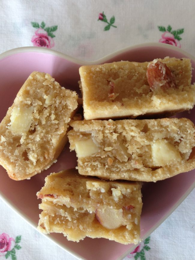 Salted caramel blondies - these will change your life!