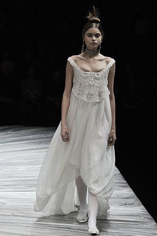 Soft Empire period style dressFall 2008 Ready,to,Wear Alexander McQueen ,  Runway