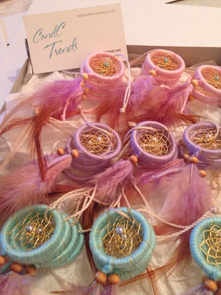 Mini Dream Catcher for the Little Ladies www.candctrends.com - Follow us on IG and FB : candctrends