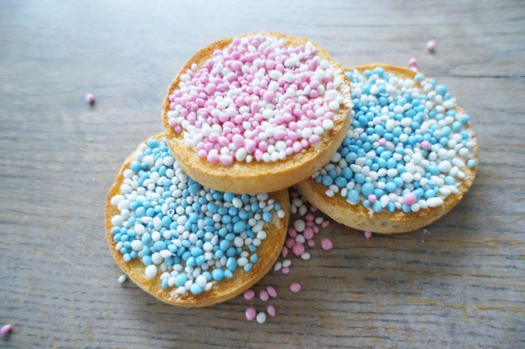 During celebrations for the birth of a child, the Dutch eat toast with colored aniseed, known as 'mice'. In the case of a boy, the mice are colored blue, in case the mice are pink, a girl has been born.
