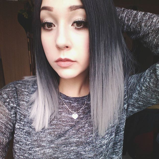 #silver #silverhair #grey #greyhair #grannyhair #pastel #pastelhair #pale #hairstyle #ombre