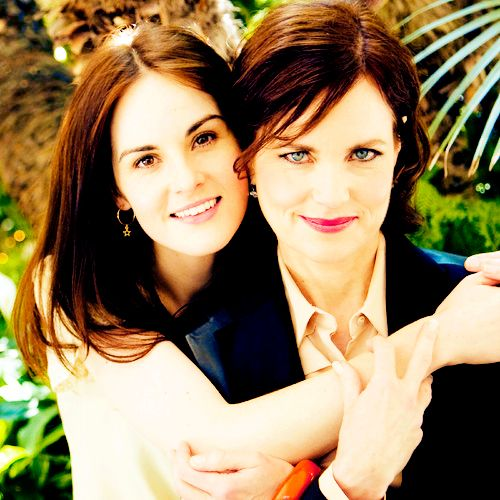 Michelle Dockery (Mary) and Elizabeth McGovern (the Countess, her mother).