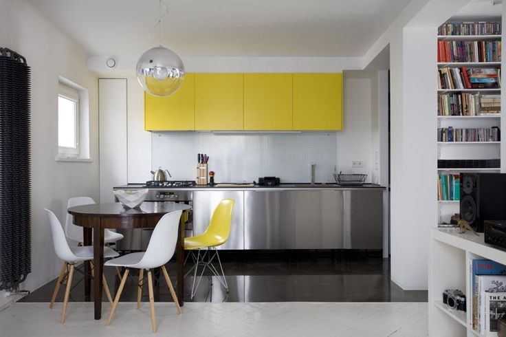 Modern and elegant. These chairs fit perfectly in modern kitchen with high gloss.   We have similar in our Shop. Visit us and choose among the various colours.  http://dreamoffurniture.com/en/