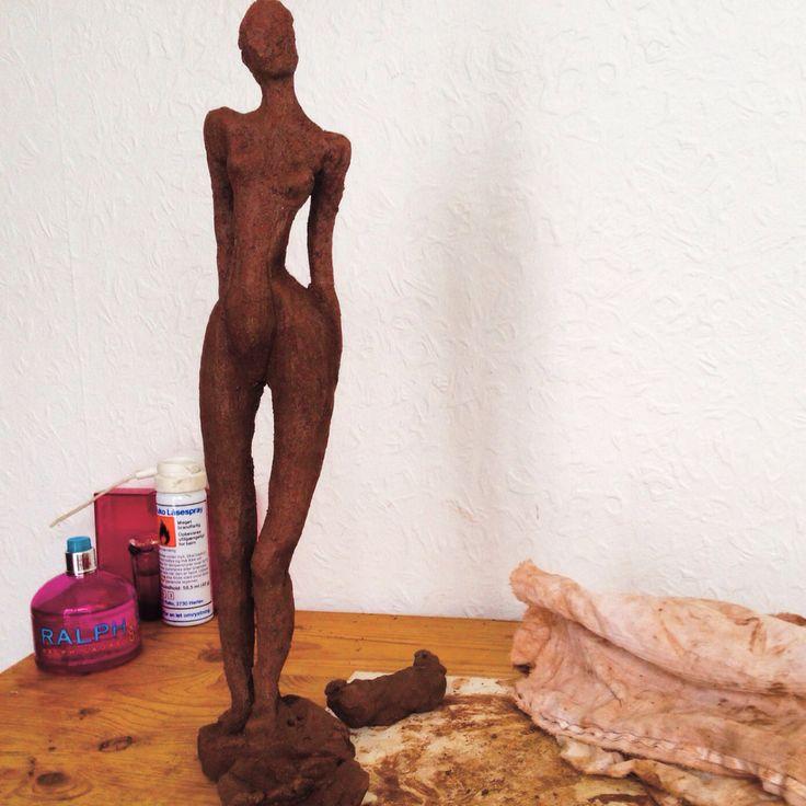 Ubrændt lerkvinde