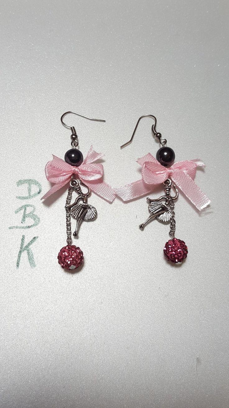 """Boucles d'oreilles """" les danseuses """" : Boucles d'oreille par dbk-creation"""