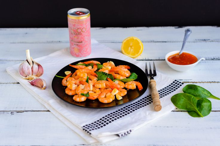 Shrimps with baby spinach