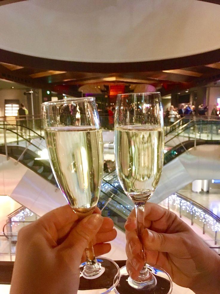 Kortteli on auki! Me olimme mukana juhlimassa Korttelin avajaisia. Oli mahtavaa päästä tutustumaan uuteen ja odotettuun ravintolakeskittymä...