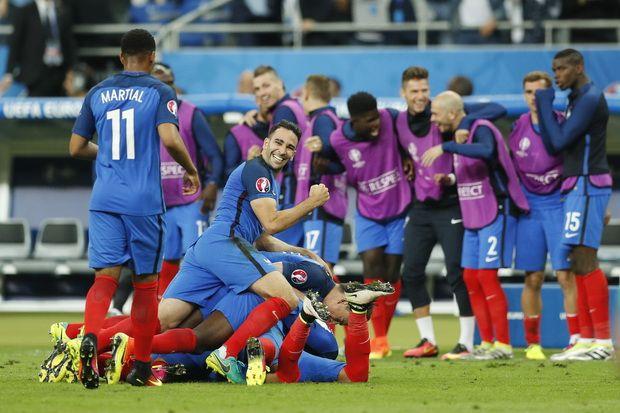 Prancis menang dramatis atas Rumania di laga pembuka  http://soccer.sindonews.com/pialaeropa/read/1115770/201/dimitri-payet-tentukan-kemenangan-prancis-atas-rumania-1465592249  #EURO2016 #PialaEropa2016 #SINDOnewsEURO2016 #Prancis #France #Rumania #Romania #DimitriPayet #OlivierGiroud
