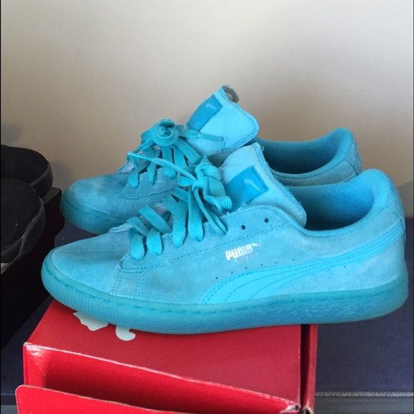 All Blue Pumas Suede Pumas.. Worn 2x, good comfortable shoe! Puma Shoes Sneakers