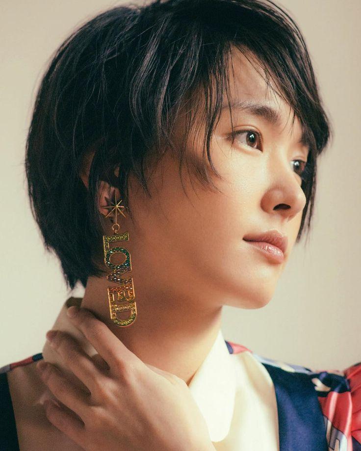 ファンアカウントの新垣結衣(ファンアカウント)さんのInstagram(インスタグラム)写真「.Ginza Magazine 3月號 表紙 新垣結衣#新垣結衣 #ガッキー #aragakiyui」