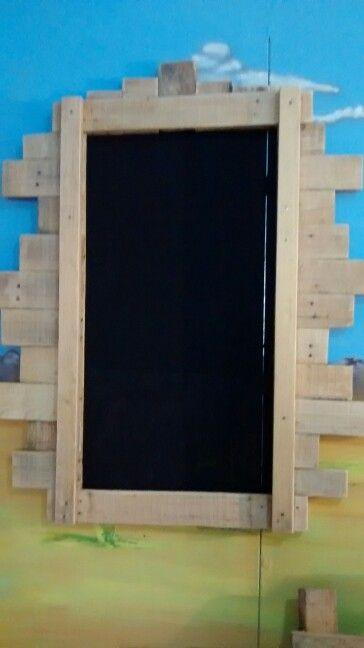 Pizarron $200.00 Elaborado con palets #palets #Df #venta #muebles #sustentable…