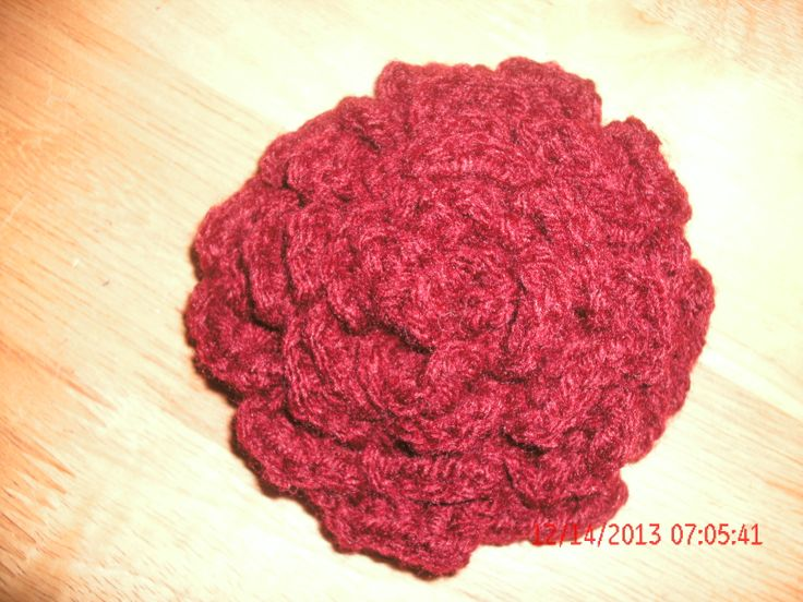 Free crochet pattern. Rose by bobwilson123 My patterns: Ravelry: http://www.ravelry.com/stores/soulshine-creations-by-susan-designs  Craftsy: http://www.craftsy.com/user/2195434/pattern-store     fb: https://www.facebook.com/crochet.by.susans.soul.shines