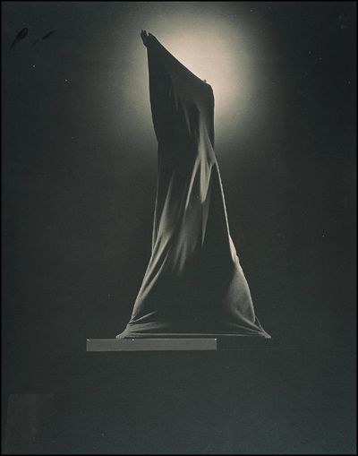 Images of Marrtha Graham | Martha Graham, photographed by Edward Steichen for Vanity Fair, 1931 ...