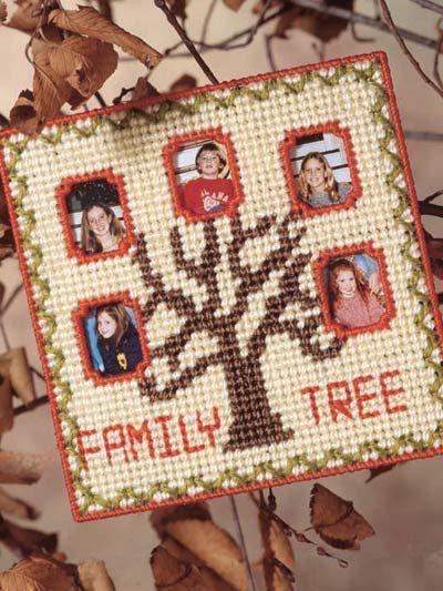 Plastic Canvas - Home Decor - Frames - Family Tree Frame - #FP00203