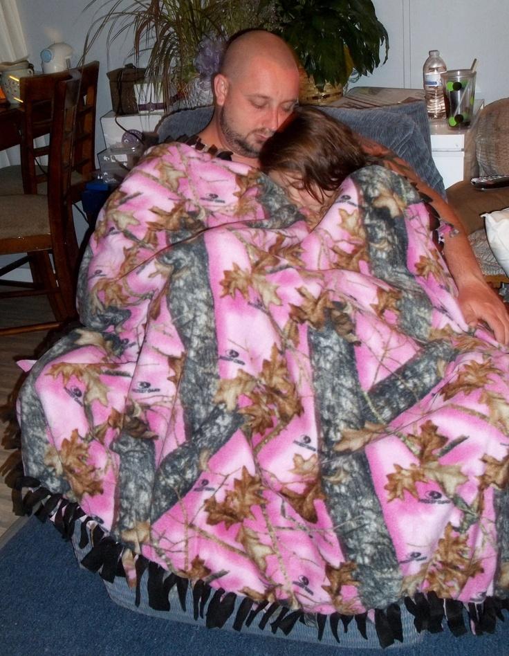 Mossy Oak Pink Camo Fleece Tie Blanket Black by handmadebymommy5 — I LOVE this