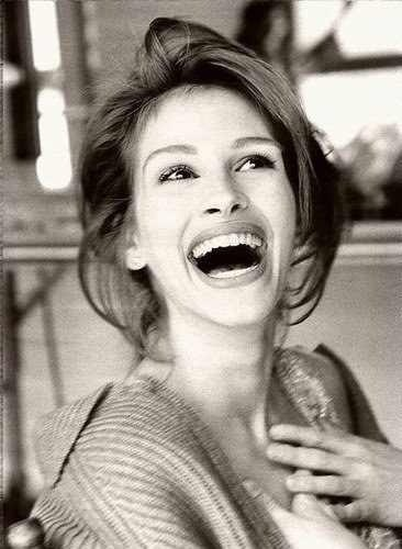 Julia Roberts LOVE her!!! How gorgeous is this picture??!!!!!