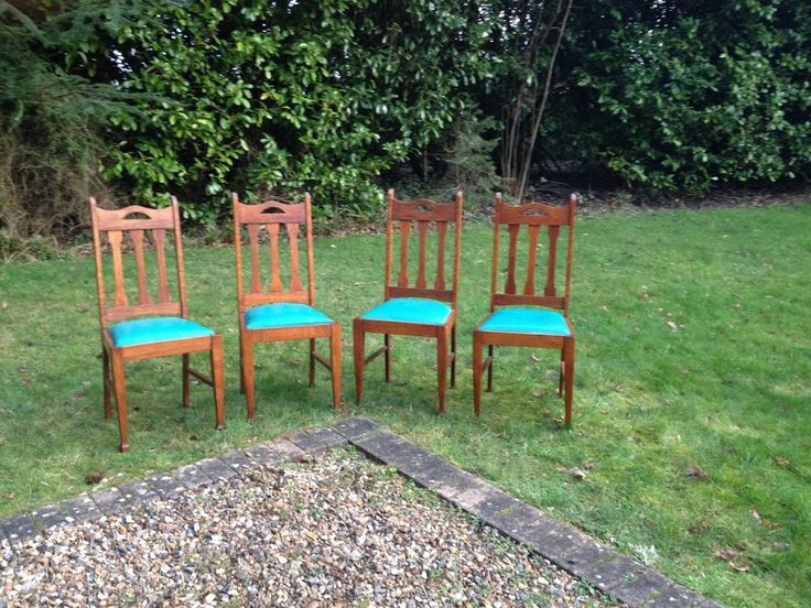 Antique Oak Chair Sets of 4 Elegant Shape Back & Legs with Green Leather Seats
