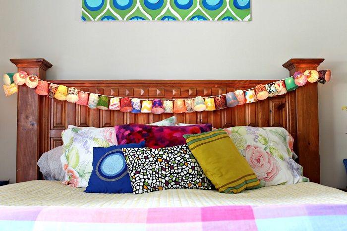 Украшение изголовья кровати позволит передать по максимуму положительное настроение.