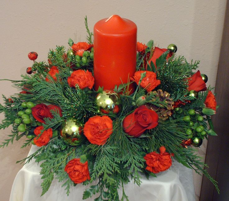 Holiday Centerpieces with traditional color scheme