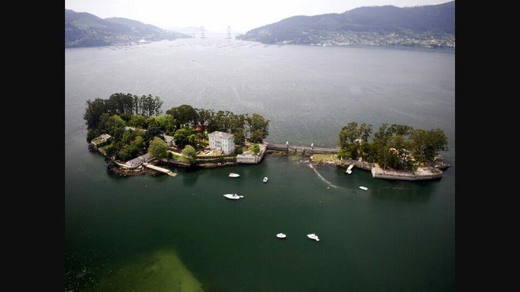 Isla de san simon  http://www.turismoenxebre.com/2009/02/isla-de-san-simon.html?m=1