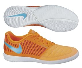 best service 2d7bf 7b13f The Nike Lunar Gato II indoor soccer shoes