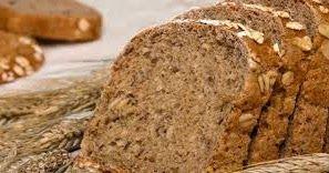 Para un pan: 400 g de harina integral orgánica/ 100 g de harina 000/ 1 cdita de sal de mar fina (o sal)/ medio sobre (5 g) de levadura...