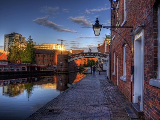 BIRMINGHAM, UK // Birmingham's 10 Best Cultural Restaurants: Guide to Eating Out in Brum // http://theculturetrip.com/europe/united-kingdom/england/articles/birmingham-s-10-best-cultural-restaurants-guide-to-eating-out-in-brum/