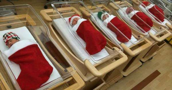 9 Christmas Decorations In Hospitals That Prove Nurses Have Hearts Of Gold.