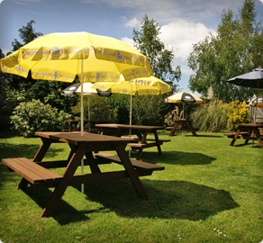 The Horse & Groom public house - country pub, restaurant and accommodation in West Sussex