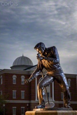 Elvis Presley 1956 Homecoming Statue
