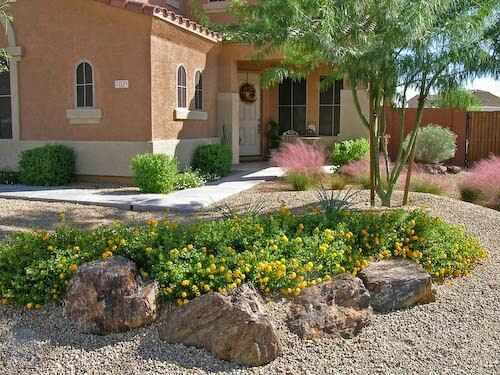 Cheap Backyard Desert Landscaping Ideas - http://backyardidea.net/backyard-landscaping/cheap-backyard-desert-landscaping-ideas/