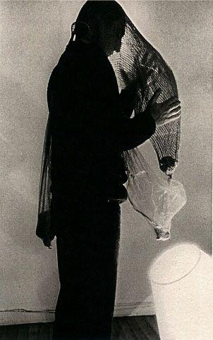 Lygia Clark, Máscara Abismo (Abyss Mask), 1968