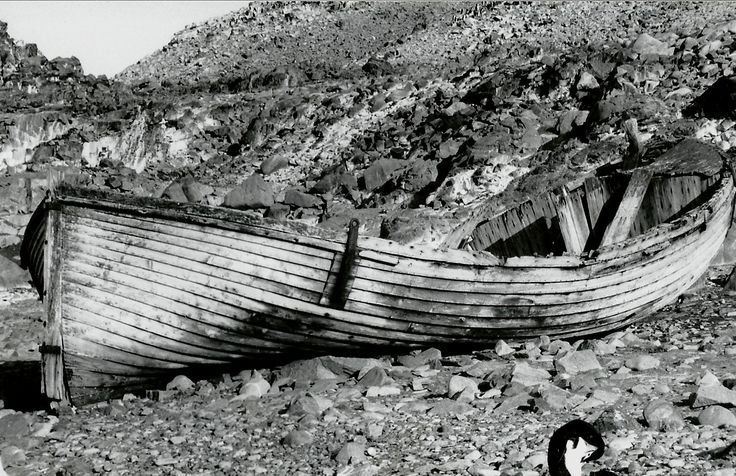 B photo taken in 1997 of a beached whaler - probably early 1900s