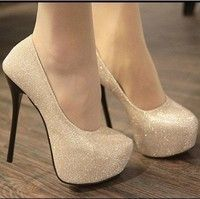 Jag tror du skulle gilla Ladies Fashion Sexy Evening high heels Shoes black/silver Colour Party Pumps (US Size). Lägg till den i din önskelista!  http://www.wish.com/c/52fed419bb72c563d7c26f23