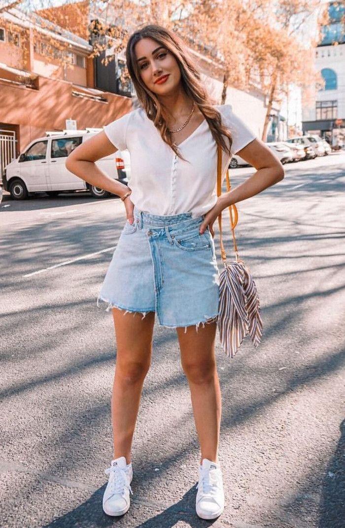 white t-shirt tassel bag denim skirt