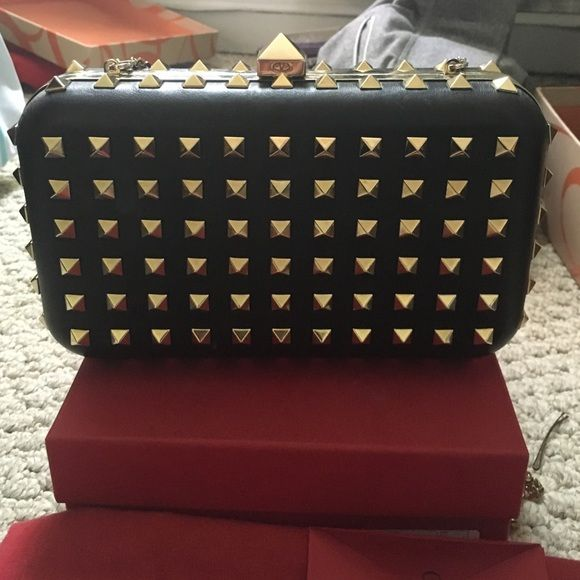 Authentic Valentino Crossbody Perfect condition with tags, box, and dust bag Valentino Bags Crossbody Bags