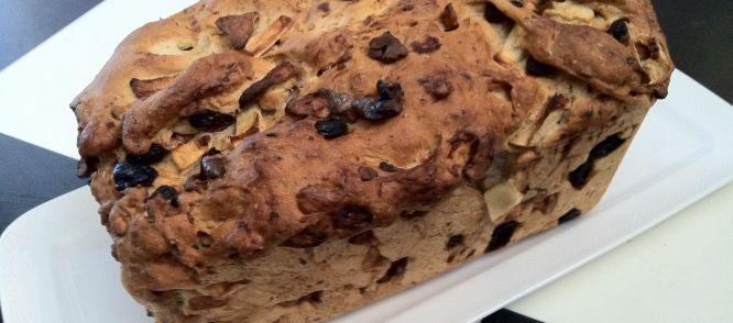 Herfstbrood recept met appel, rozijnen, wal- en hazelnoten (evt. ook nog 50 gr parelsuiker)